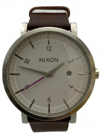 NIXON(ニクソン)の古着「デイト付リストウォッチ」
