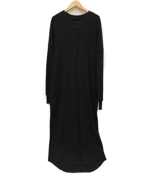 JOURNAL STANDARD LUXE(ジャーナルスタンダードラックス)JOURNAL STANDARD LUXE (ジャーナルスタンダードラックス) ドライワッフルヘンリーワンピース ブラック サイズ:SIZE FREE 未使用品の古着・服飾アイテム