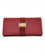 Salvatore Ferragamo(サルヴァトーレ フェラガモ)の古着「長財布」|レッド