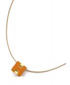 HERMES(エルメス)の古着「カージュドアッシュ Hキューブネックレス」|オレンジ