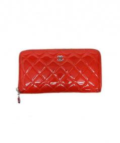 CHANEL(シャネル)の古着「ラウンドファスナー財布」|レッド