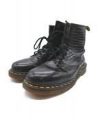 Dr.Martens(ドクターマーチン)の古着「8ホール型押しブーツ」|ブラック