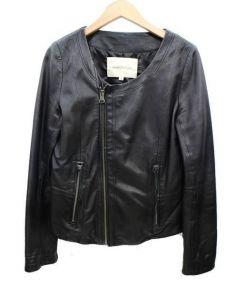 Jewel Changes(ジュエルチェンジズ)の古着「ノーカラーラムレザージャケット」|ブラック