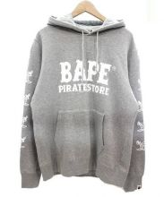 A BATHING APE(ア ベイシング エイプ)の古着「PIRATE BAPEロゴプリントプルオーバーパーカー」|グレー