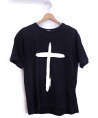 BLACK MARKET COMME des GARCONS(ブラックマーケットコムデギャルソン)の古着「クロスプリントTシャツ」|ブラック