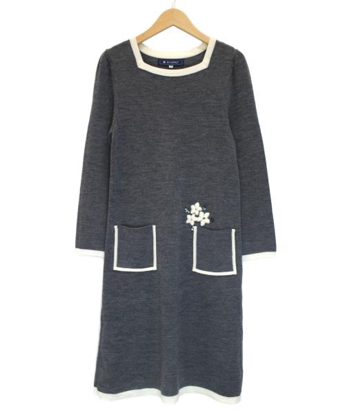 MS GRACY(エムズグレイシー)MS GRACY (エムズグレイシー) スクエアネックビジューニットワンピース グレー サイズ:38の古着・服飾アイテム