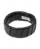 PRADA(プラダ)の古着「レザーブレスレット」|ブラック