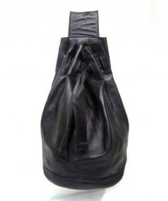 GUCCI(グッチ)の古着「ワンショルダーレザー巾着バッグ」 ブラック
