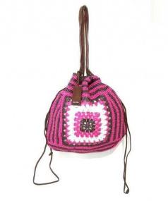 MIU MIU(ミュウミュウ)の古着「巾着ラフィアハンドバッグ」|ピンク×ブラウン