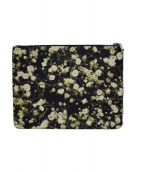 GIVENCHY(ジバンシィ)の古着「Floral Clutch Bag PVC TE0194」|ブラック