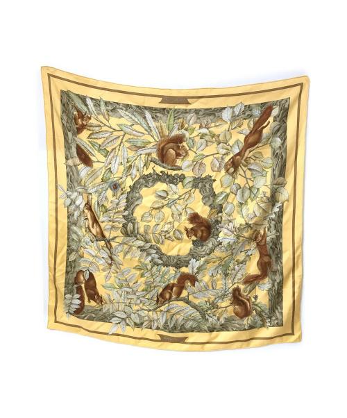 HERMES(エルメス)HERMES (エルメス) カレ90 スカーフ イエロー CASSE-NOISETTEの古着・服飾アイテム