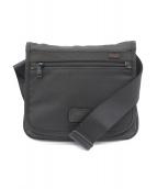 TUMI(トゥミ)の古着「スモールフラップボディーバッグ」|ブラック