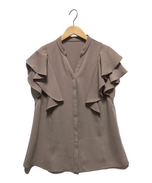 JUSGLITTY(ジャスグリッティー)JUSGLITTY (ジャスグリッティー) トップスラッフルスリーブブラウス ベージュ サイズ:1(下記参照)の古着・服飾アイテム