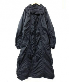 ISSEY MIYAKE(イッセイミヤケ)の古着「ナイロンシャーリングビッグコート」 ブラック