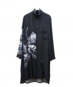 BLACK Scandal Yohji Yamamoto(ブラックスキャンダルヨージヤマモト)の古着「般若デスガ スタンドプリントロングシャツ」 ブラック