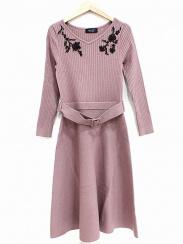 JUSGLITTY(ジャスグリッティー)の古着「モール刺繍ニットワンピース」