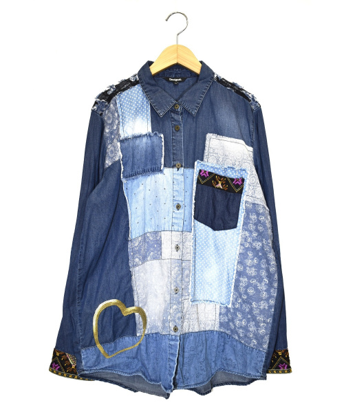 Desigual(デシグアル)Desigual (デシグアル) デニムパッチワークシャツ ブルー サイズ:XL 定価26.722円の古着・服飾アイテム
