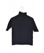 ISSEY MIYAKE(イッセイミヤケ)の古着「プリーツカットソー」|ブラック
