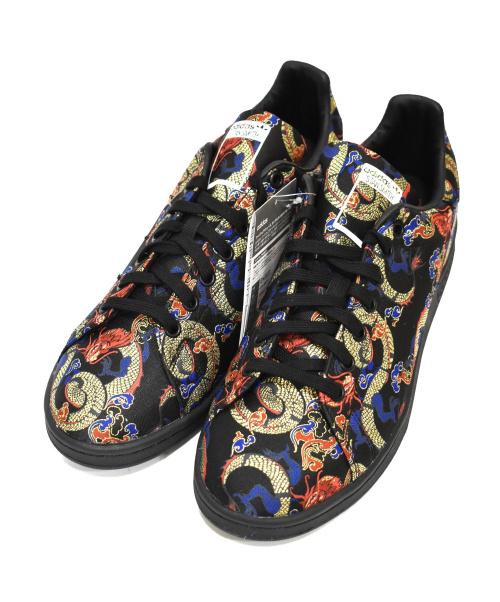 """adidas(アディダス)adidas (アディダス) 刺繍スニーカー ブラック サイズ:28cm 未使用品 STAN SMITH """"Dragon Print"""" eh2237の古着・服飾アイテム"""