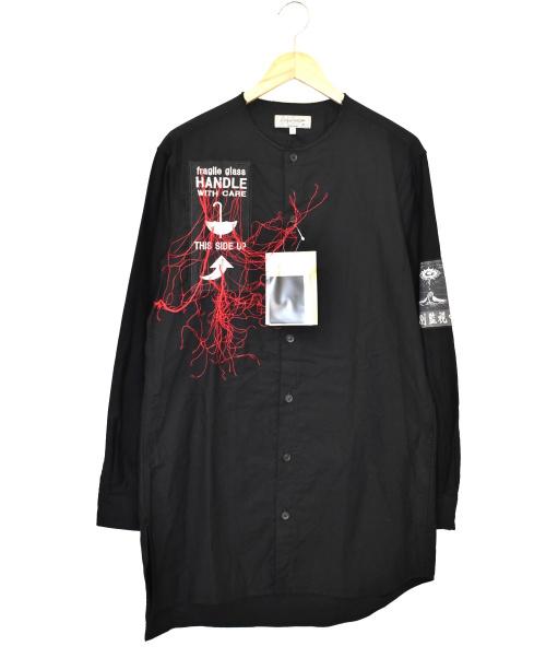 YohjiYamamoto pour homme(ヨウジヤマモトプールオム)YohjiYamamoto pour homme (ヨウジヤマモトプールオム) 特別監視中ワッペンアンバランスブラウス ブラック サイズ:2 21SS HD-B55-059の古着・服飾アイテム