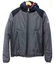 INVICTA(インヴィクタ)の古着「変則レイヤード中綿入りフーデットジャケット」|グレー
