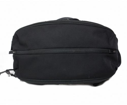 PORTER(ポーター)PORTER (ポーター) UPSIDE 2WAY SLING SHOULDER BAG ブラックの古着・服飾アイテム