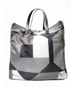 PRADA(プラダ)の古着「2WAYナイロントートバッグ」|ブラック×グレー