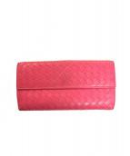 BOTTEGA VENETA(ボッテガベネタ)の古着「イントレチャートレザーWホック長財布」|ピンク