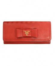 PRADA(プラダ)の古着「パスケース付リボン長財布」|レッド