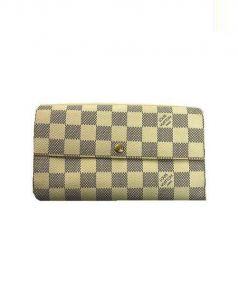 LOUIS VUITTON(ルイ・ヴィトン)の古着「2つ折り財布」|ベージュ