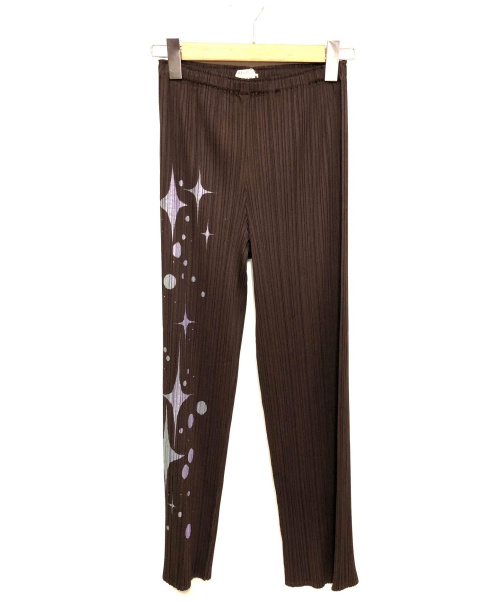 PLEATS PLEASE(プリーツプリーズ)PLEATS PLEASE (プリーツプリーズ) プリントプリーツパンツ ブラウン サイズ:1  PP51-JF753の古着・服飾アイテム