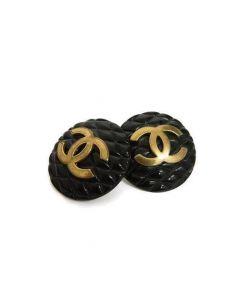CHANEL(シャネル)の古着「マトラッセココマークイヤリング」|ブラック×ゴールド