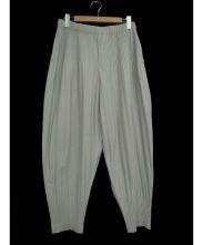 HOMME PLISSE ISSEY MIYAKE(オムプリッセ イッセイミヤケ)の古着「プリーツサルエルパンツ」|グレー
