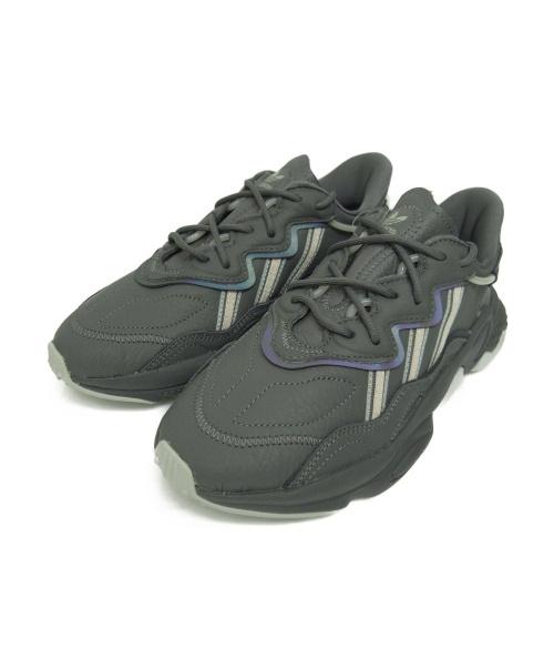 adidas(アディダス)adidas (アディダス) スニーカー グレー サイズ:24.0 EE5718 OZWEEGO Wの古着・服飾アイテム