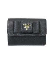 PRADA(プラダ)の古着「3つ折り財布」|NERO