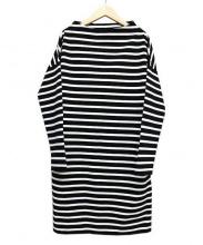 Traditional Weatherwear(トラディショナルウェザーウェア)の古着「ボーダーボックスワンピース」|ホワイト×ブラック