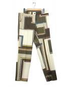 ETRO(エトロ)の古着「総柄センタープレスパンツ」|カーキ×アイボリー