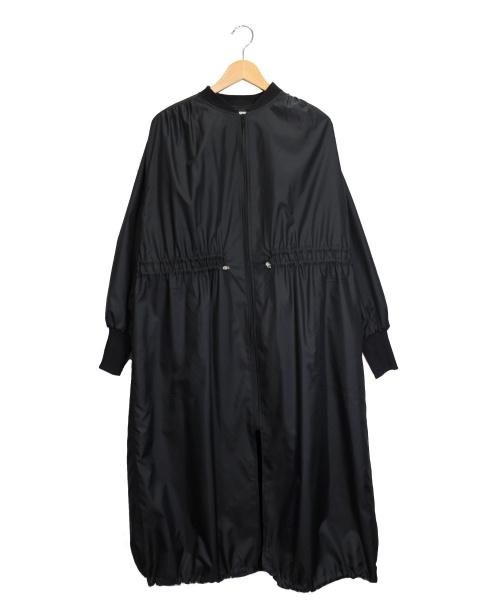 AUDREY AND JOHN WAD(オードリーアンドジョンワッド)AUDREY AND JOHN WAD (オードリーアンドジョンワッド) ロングギャザーナイロンコート ブラック サイズ:Fの古着・服飾アイテム
