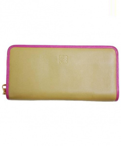LOEWE(ロエベ)の古着「ラウンドジップ長財布」|カーキ×ピンク