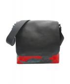 COACH(コーチ)の古着「カモフラシグネチャーショルダーバッグ」 レッド×ブラック