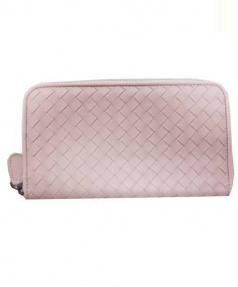 BOTTEGA VENETA(ボッテガベネタ)の古着「イントレチャートラウンドファスナー長財布」 ピンク