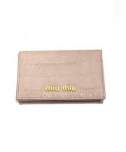 MIU MIU(ミュウミュウ)の古着「クロコ型押し名刺入れ」|ピンク