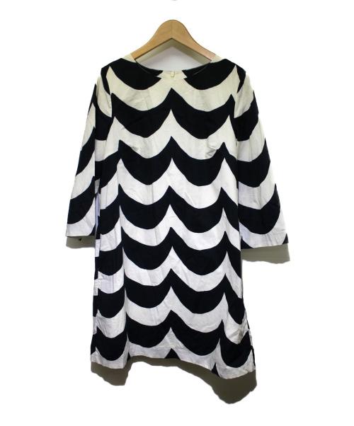 marimekko(マリメッコ)marimekko (マリメッコ) 7分袖ワンピース ホワイト×ブラック サイズ:36 5243140327 Laine KUOHUの古着・服飾アイテム