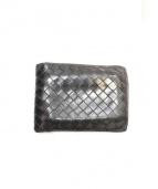 BOTTEGA VENETA(ボッテガベネタ)の古着「イントレチャート2つ折り財布」|ブラック