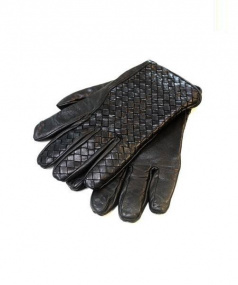 BOTTEGA VENETA(ボッテガベネタ)の古着「イントレチャートレザーグローブ」|ブラック