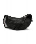 ISAMU KATAYAMA BACKLASH(イサムカタヤマバックラッシュ)の古着「カーフレザーバナナショルダーバッグ」|ブラック