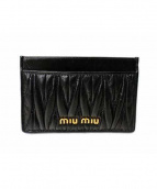 MIU MIU(ミュウミュウ)の古着「レザーカードケース」|ブラック