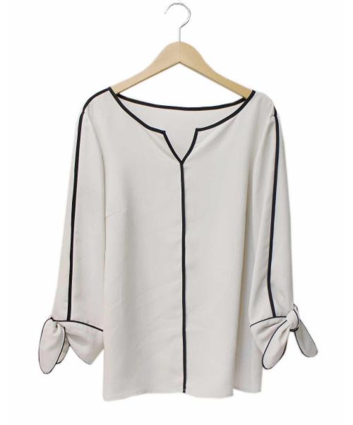 KETTY(ケティ)KETTY (ケティ) サテン配色ブラウス ホワイト サイズ:3 定価¥17.280 著名人着用アイテムの古着・服飾アイテム