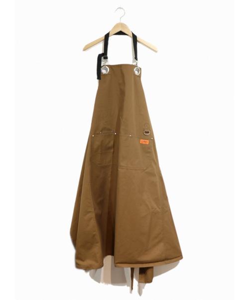 ROSE BUD ×UNIVERSAL OVERALL(ローズバッド×ユニバーサルオーバーオール)ROSE BUD ×UNIVERSAL OVERALL (ローズバッド×ユニバーサルオーバーオール) エプロンワンピース キャメル サイズ:FREEの古着・服飾アイテム