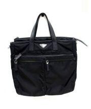 PRADA(プラダ)の古着「ショルダーストラップ付ナイロントートバッグ」|ブラック